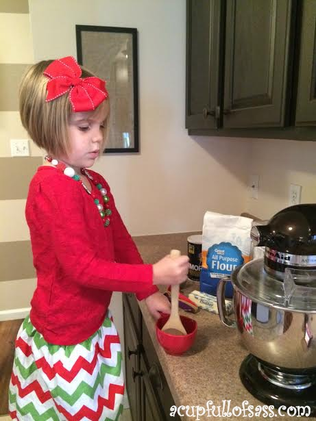 nat baking cookies