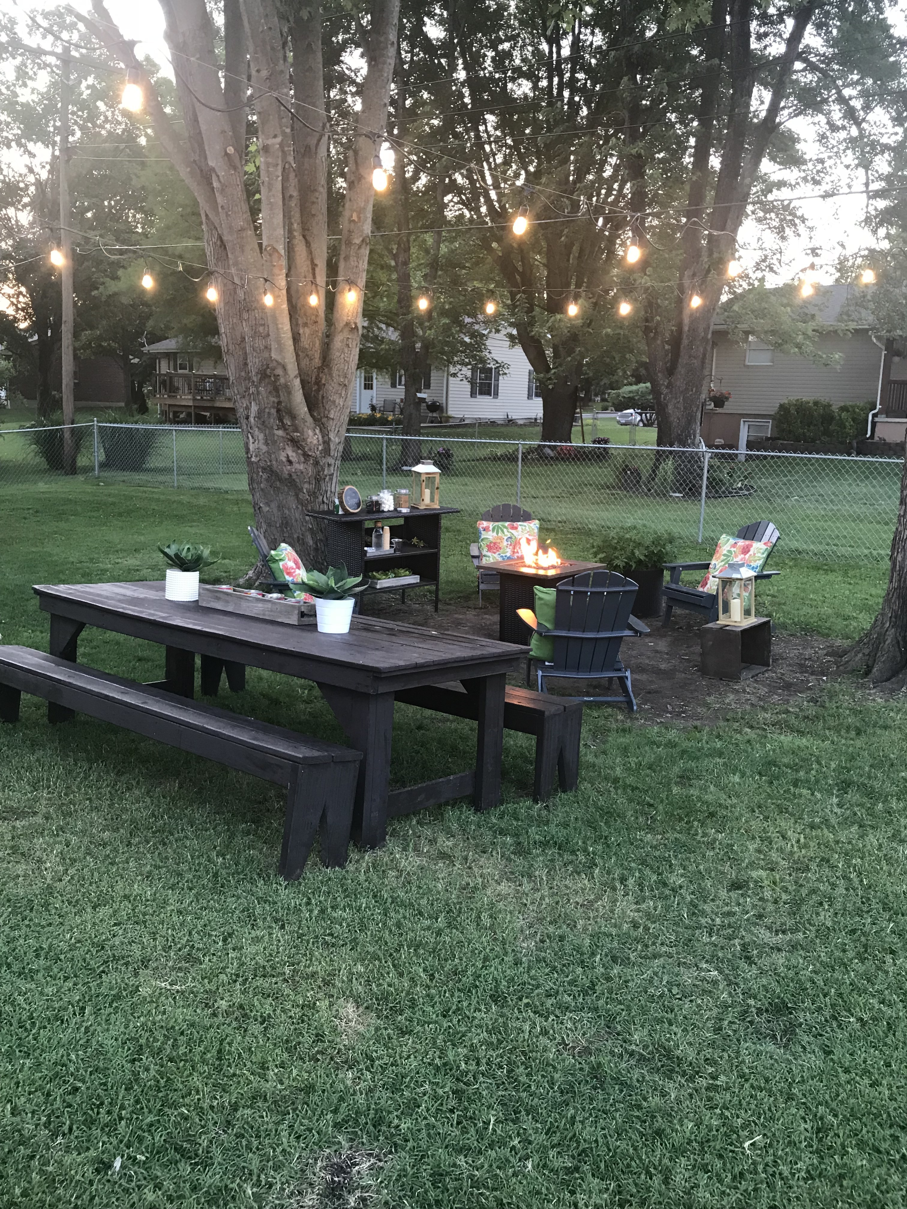 How to hang outdoor string lights. Backyard DIY ideas.
