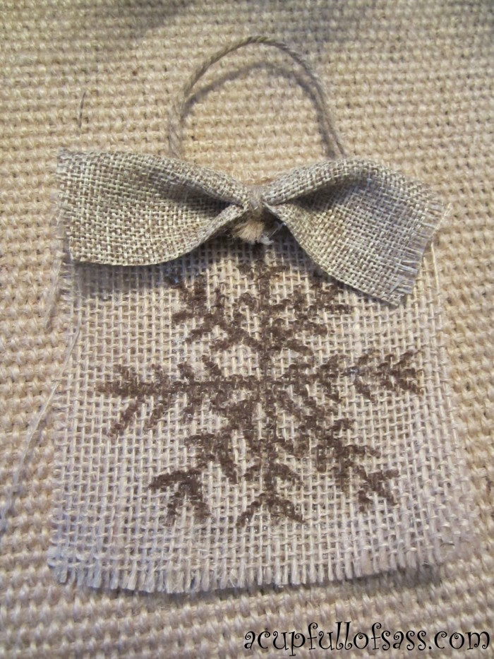 burlap ornament single