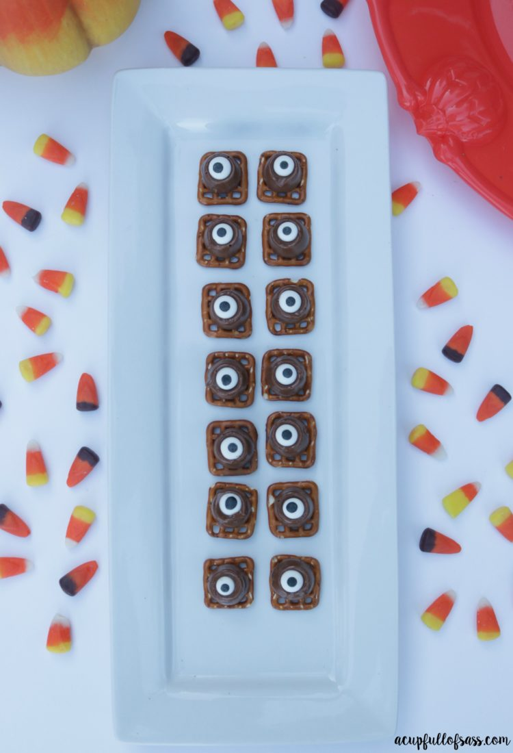 Spooky Eyes Rolo Pretzels Halloween Treats