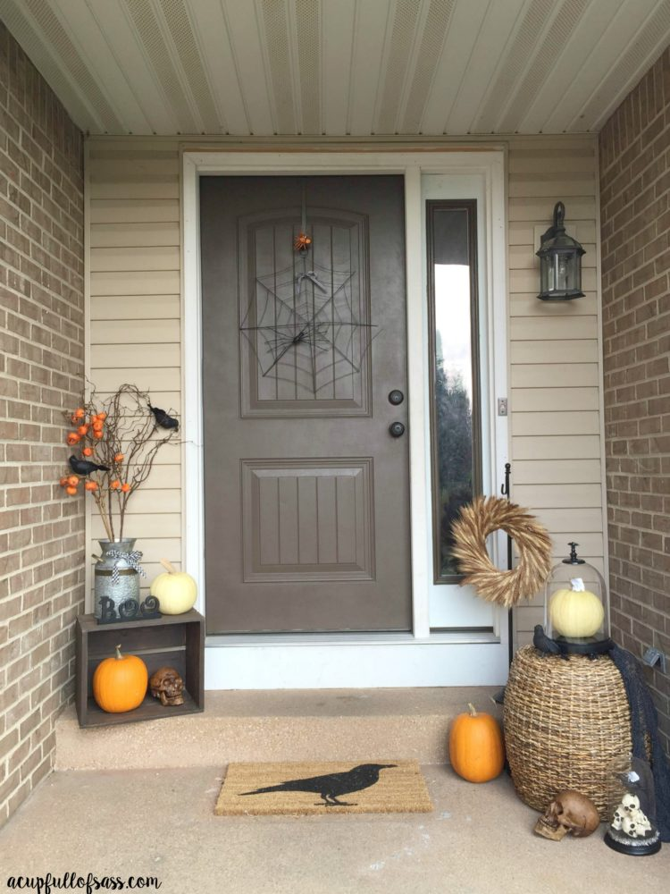 Halloween Front Porch Decor Ideas. I used Black Crows and Skulls to make a great Halloween look.