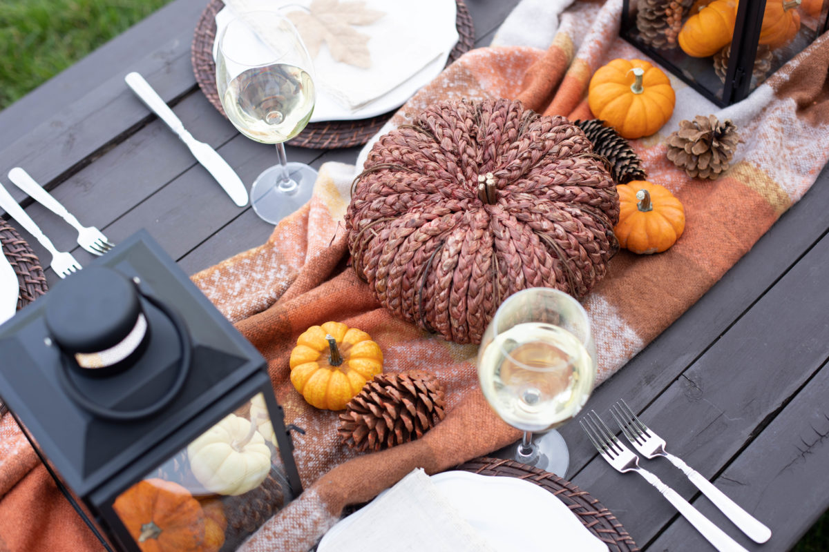 Easy Friendsgiving Tablescape. A warm and inviting look for Fall.