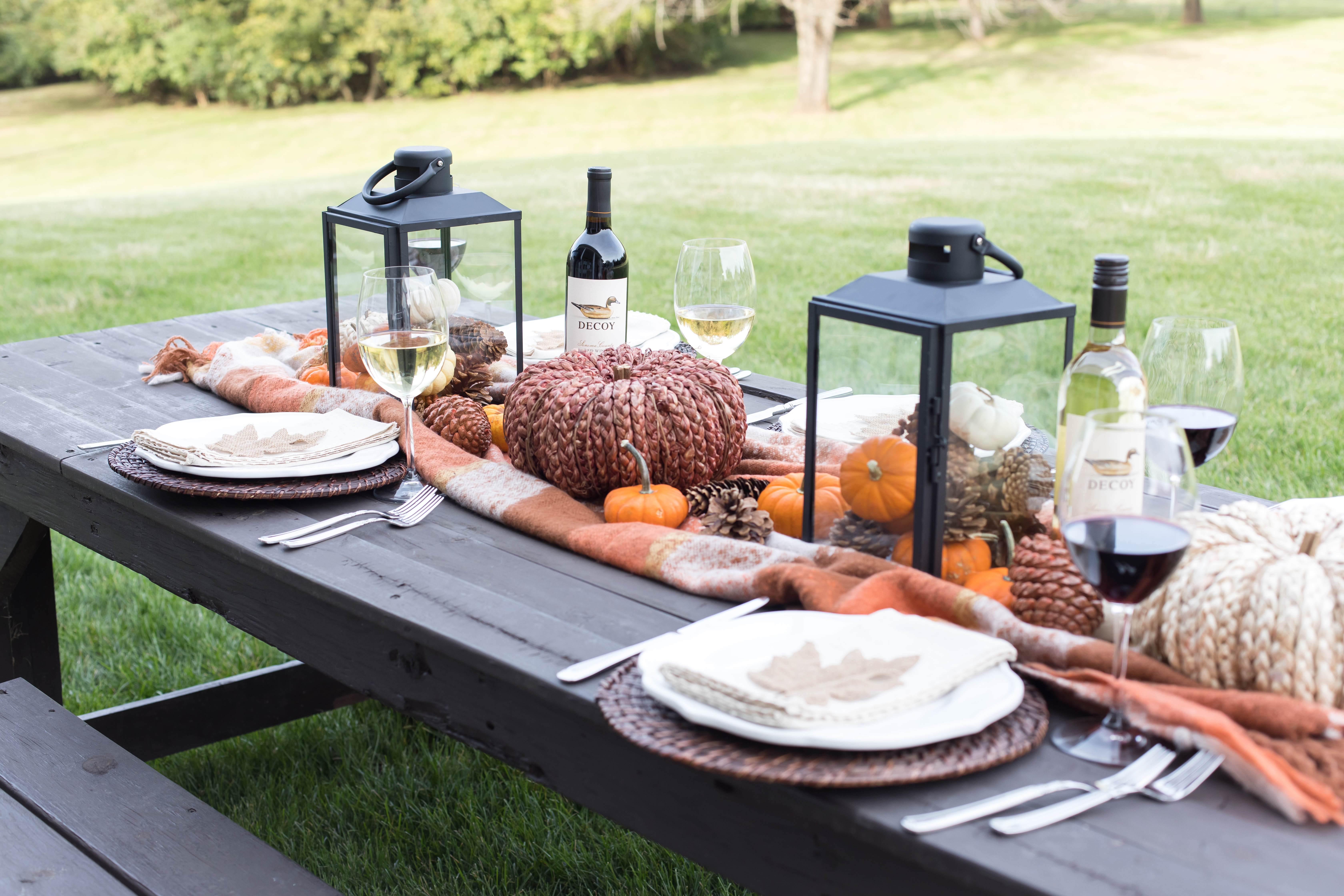 Easy Friendsgiving Tablescape idess.
