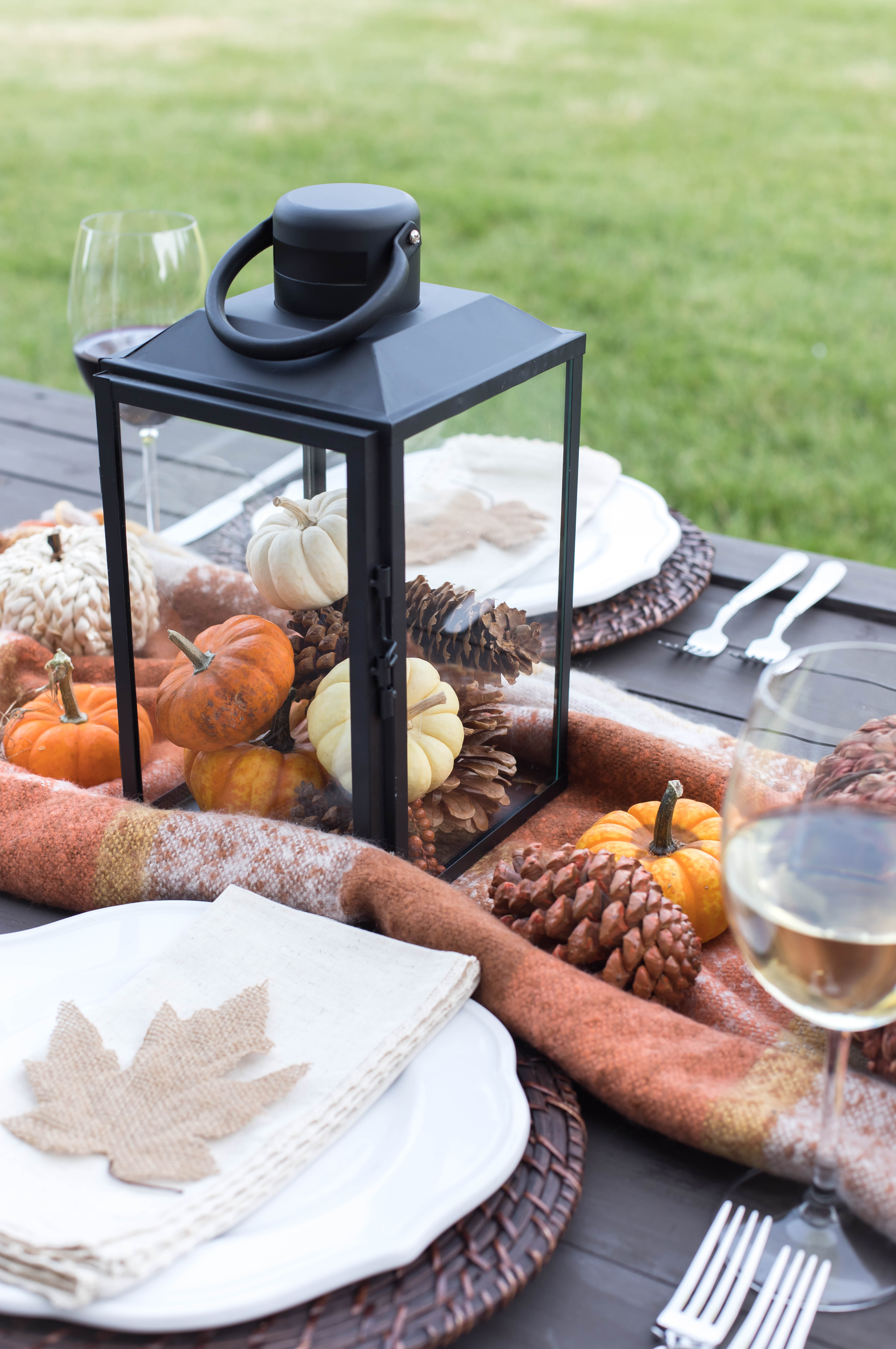 Easy Friendsgiving or Thanksgiving Tablescape.