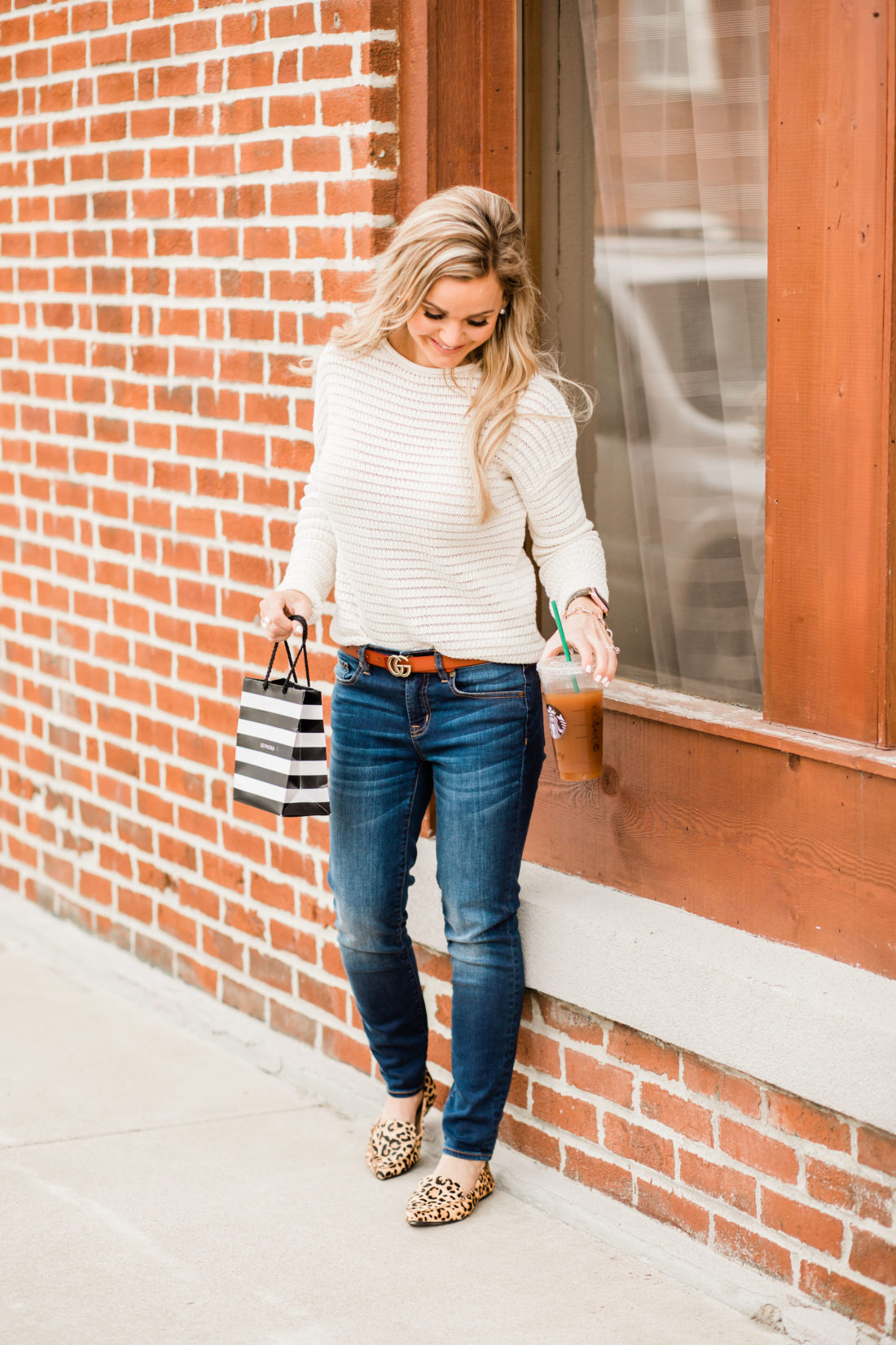 I love this look! Sweater, jeans, belt and leopard flats.