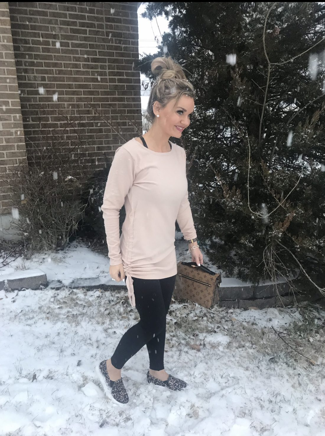 Casual tunic top from Amazon, leggings and leopard slip-on shoes.