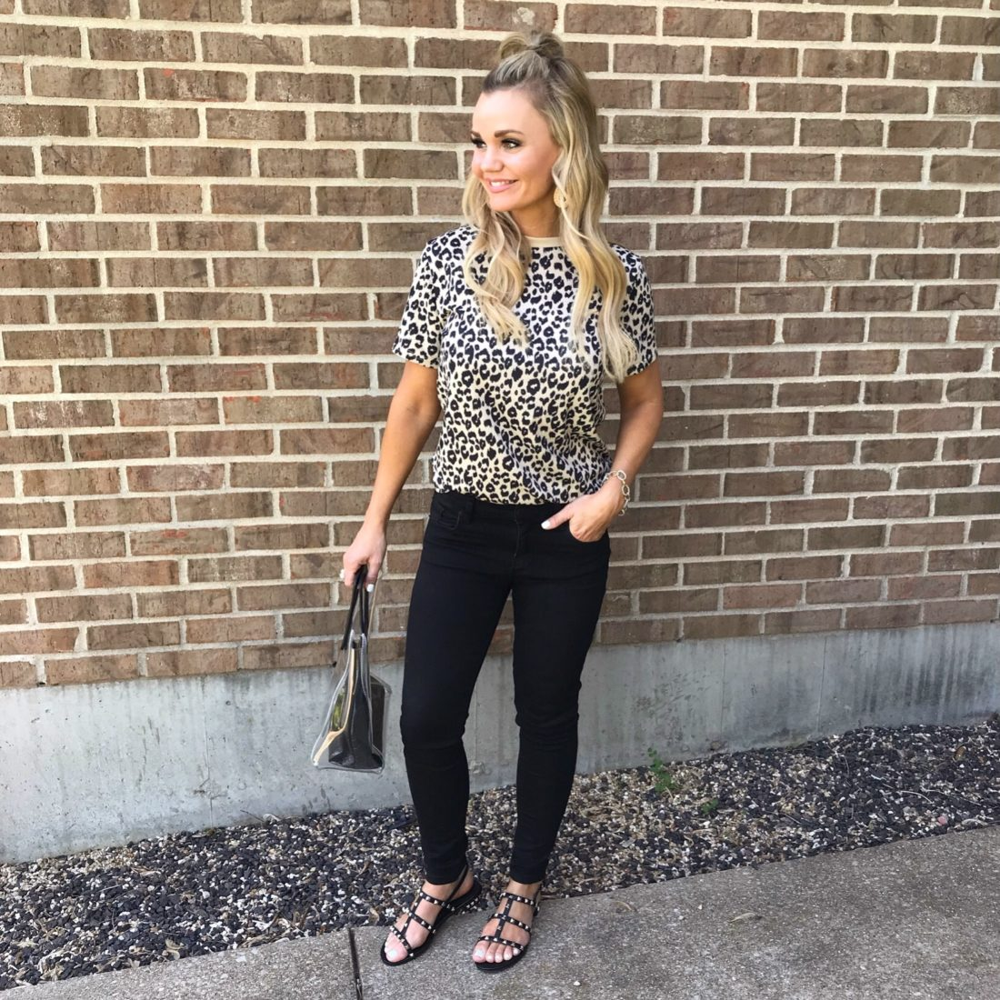 Amazon Summer Fashion Finds.Adorable Leopard outfit. #amazon #acupfullofsass