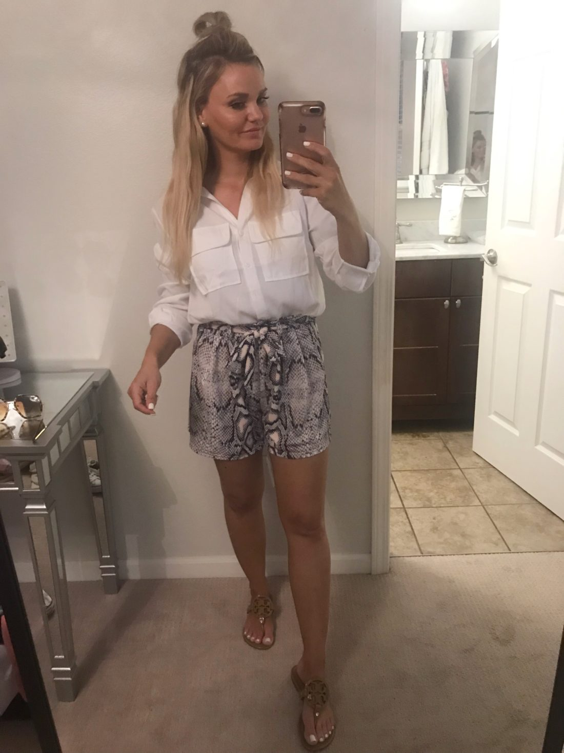 Snakeskin Shorts Outfit for Summer