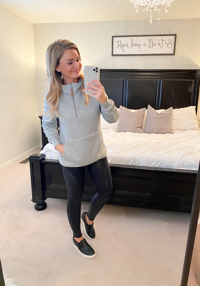 Amazon Fashion Finds | February - Grey Sweatshirt
