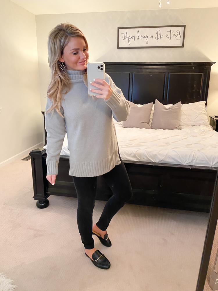 Turtleneck sweater. Everyday Casual Outfits for Fall & Winter.